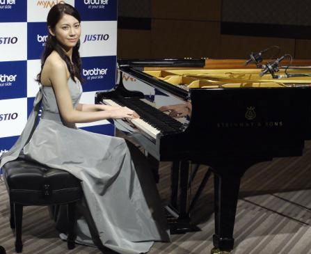 「松下奈緒 ピアノ」の画像検索結果