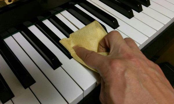 ピアノの掃除