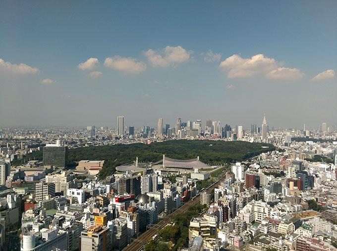 秋晴れの空・東京