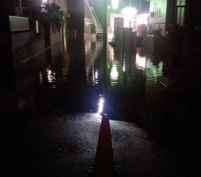 大雨で冠水