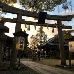 """""""通""""な京都の芸能系神社、新熊野神社と白雲神社で演奏の上達祈願"""
