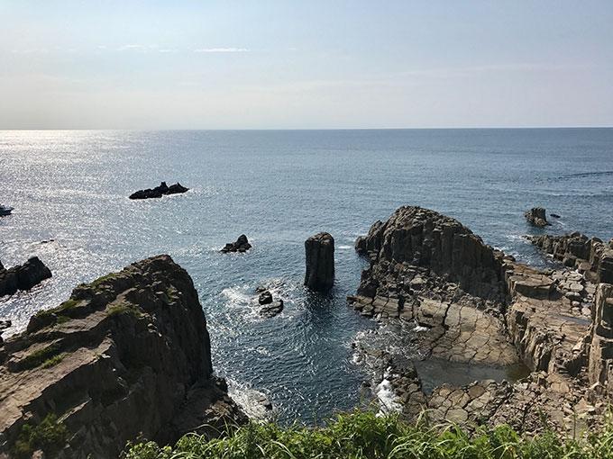 東尋坊から見る日本海