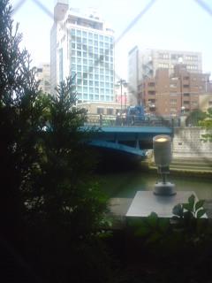 運河が見えるレストラン