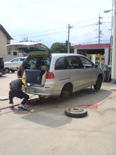 自動車のタイヤ修理