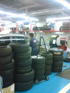 クルマの修理、タイヤ
