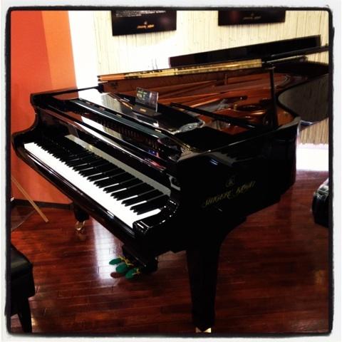 シゲルカワイのグランドピアノ
