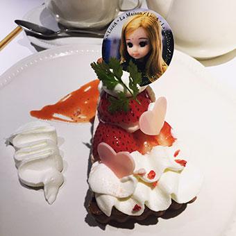 リカちゃんケーキ