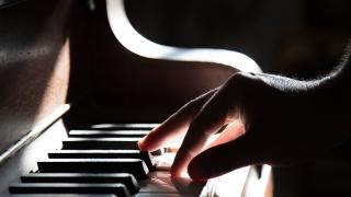 グランドピアノ演奏