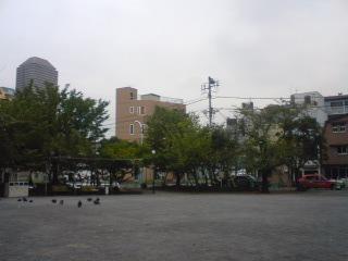 曇天の公園
