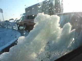 クルマに積もる雪