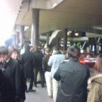 終電のタクシーの列