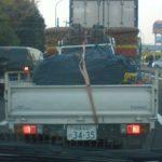 気球を積んだトラック